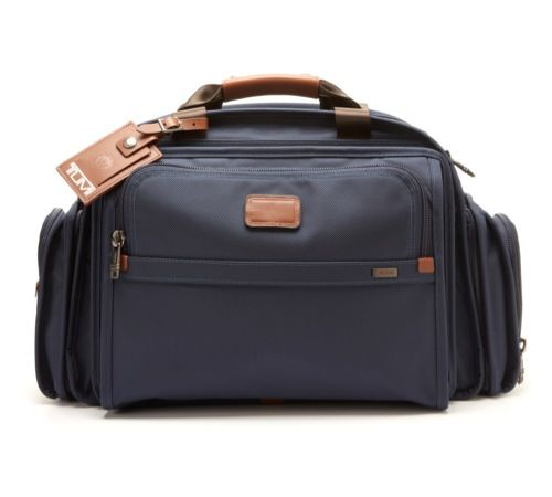 Why Travelling With A Rolling Duffle Bag Is Cool?