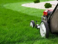 How to Operate a Lawn Mower | Upload Article