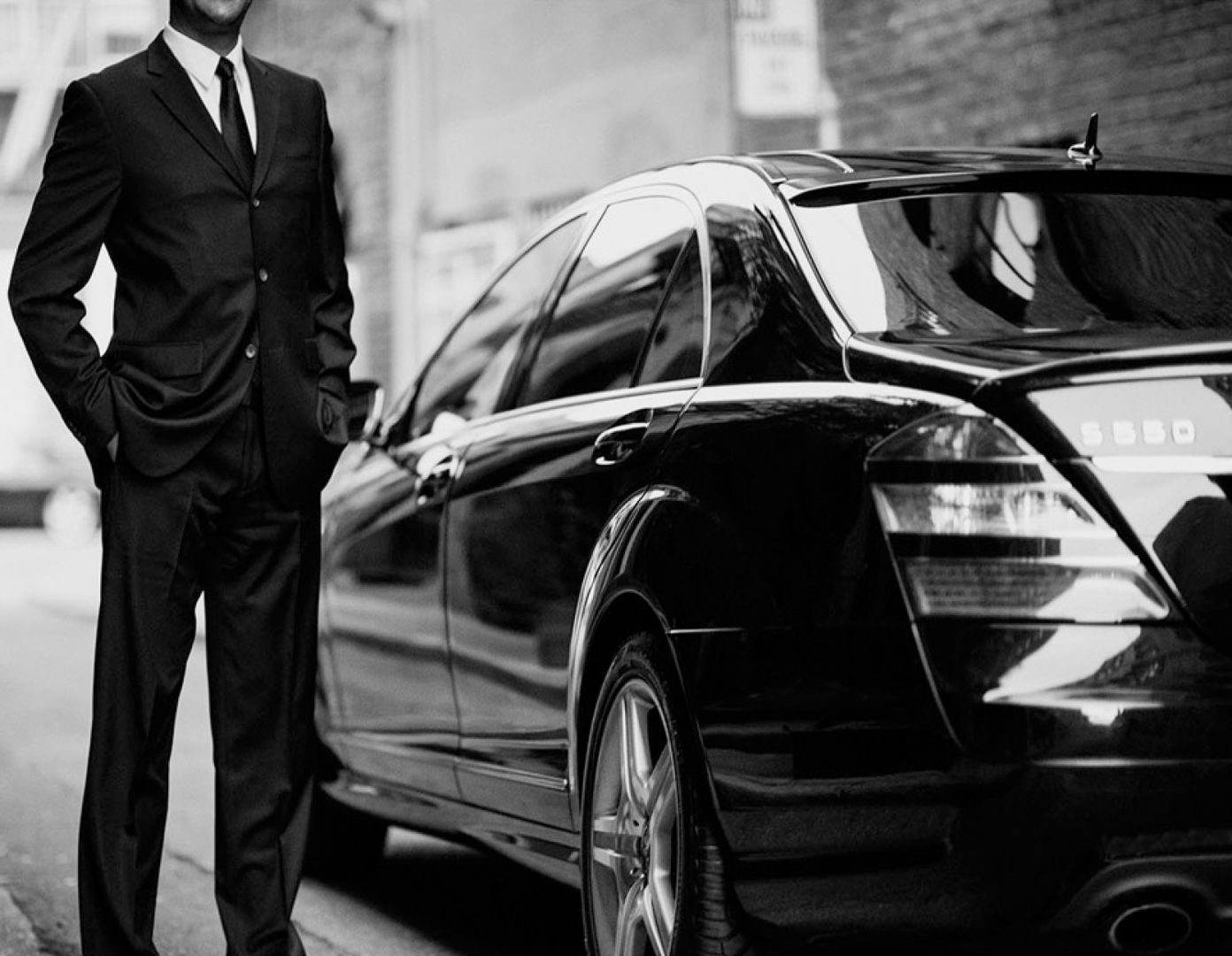 What is the most effective chauffeur car hiring company in Sydney?   Visual.ly