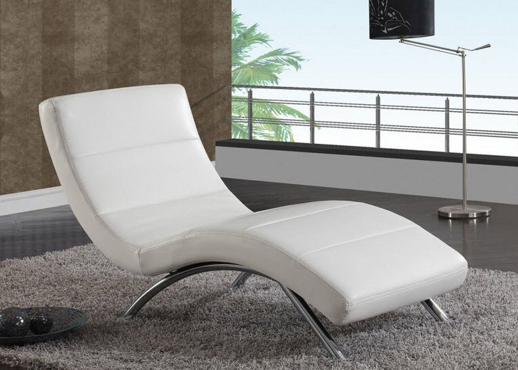 Comfortable Chaise Lounge Chairs For Relaxing Home