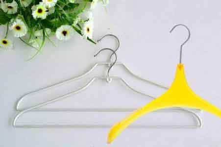The Clothes Hanger - From Wire to Plastic