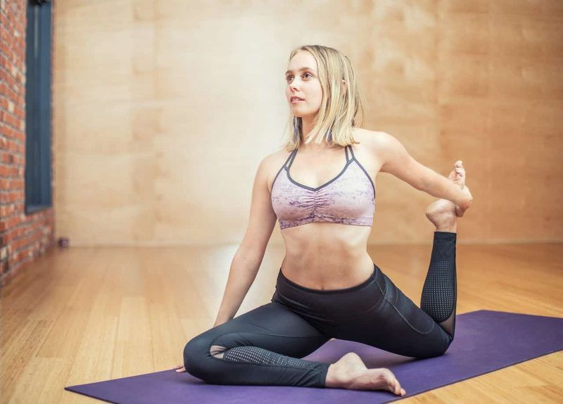 Yoga Clothes: Significance, Type, How to Select. Things to Consider