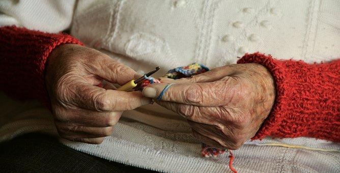 5 Benefits of Home Care for Older Guardians