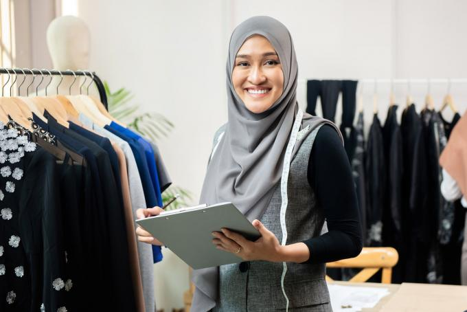 Modern Hijab Fashion Wrapped with Trendy Approach