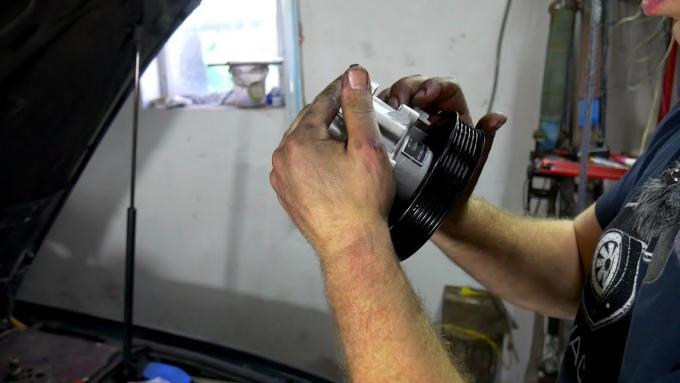 Czy wymiana pompy wspomagania w Audi A4 jest sko | importauto2iumy