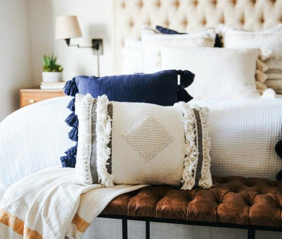 Memory Foam Pillows: 7 Benefits & Why You Need it Right Now