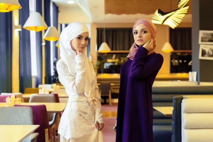 Modest Muslim Fashion Set the Fashion Tempo of Beyond the Burqas