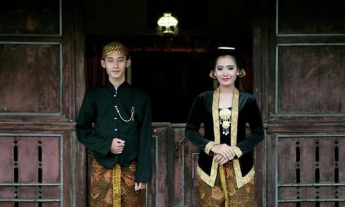 Jenis pakaian adat Jawa Tengah dan maknanya