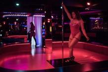 Hire the sensual dancers & strippers in Chicago