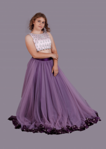 Buy Designer Lehengas Online - Lehenga For Women @ Bhagyasattire
