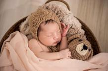 How to pick the perfect size of newborn baby clothing?