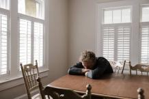 Seasonal Affective Disorder: First Signs and Symptoms