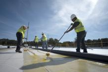 A Few Considerations While Trusting Your Project to Commercial Roofing Contractor