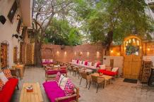 Top 5 Best Private Cabin Cafe in Delhi for Couples Date