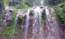 Wisata Curug Ciputri yang mempesona dan menarik di di Kaki Gunung Salak Bogor