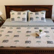 Bed Cover : Buy Bed Covers Online in India UpTo 55% OFF
