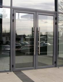 Tips for Choosing the Right Commercial Glass Door Installation Contractors
