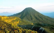 Pesona Wisata alam Gunung Gede Pangrango yang menarik di Jawa Barat