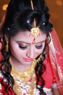 Selecting a Bridal Hair style in the Indian Wedding Context