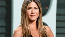Jennifer Aniston got over 11.5 million instagram followers in two days an epic 'Friends' selfie