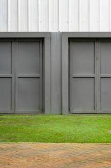THE PROS AND CONS OF INSULATED GARAGE DOORS - How To Find The Best
