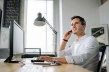 Overcome Your Business Woes with Call Center Services! - Amazing Viral Magzine