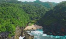 Indahnya pemandangan di wisata pantai Wohkudu Gunung Kidul Jogja