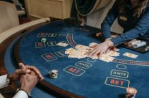 An Insight Into 3-Card Poker Strategy | JeetWin Blog