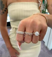 Tips To Select the Best Diamond Engagement Ring for Your Loved One