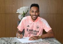 Pierre-Emerick Aubameyang signs new three-year contract worth '£350,000-per-week with Arsenal - KokoLevel Blog