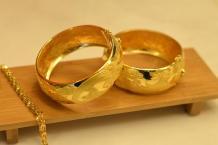 Златните бижута подобряват Вашия имидж